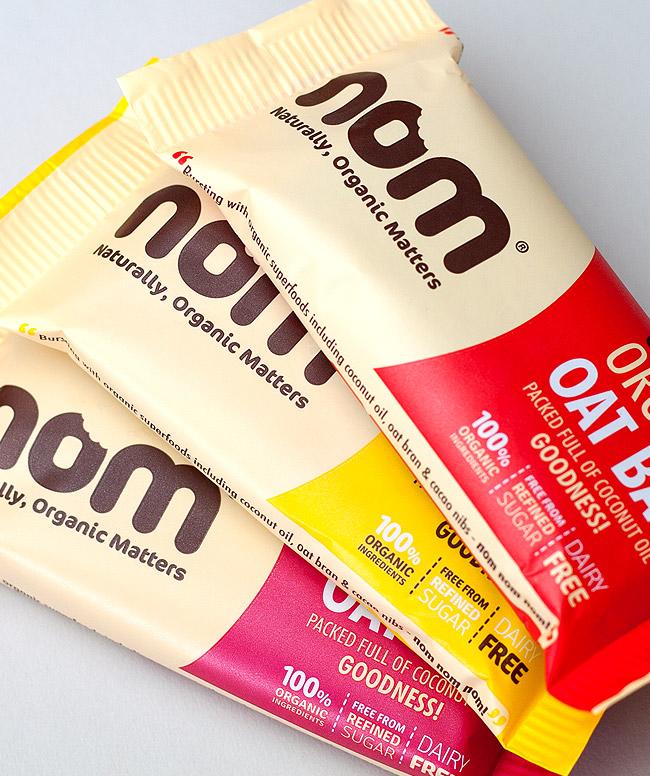 Nom bars packaging design